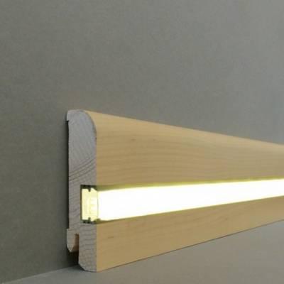 "Licht - Fußleisten / Licht - Sockelleisten ""Kiel"" (Echtholzfurnier - 20.80.5L) - Ahorn lackiert"