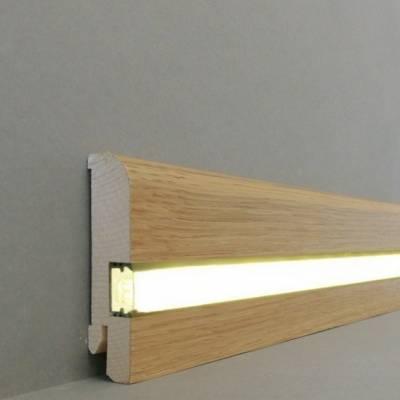 """Licht - Fußleisten / Licht - Sockelleisten """"Kiel"""" (Echtholzfurnier - 20.80.1L) - Eiche lackiert"""