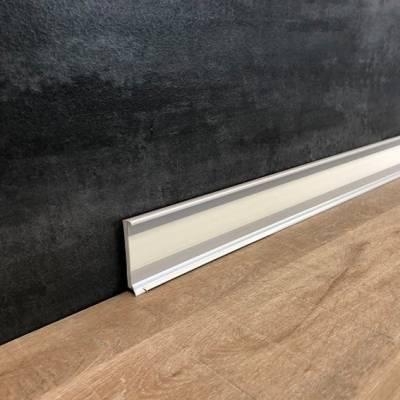 """Design Fußleiste für Bodenbelagstreifen """"Vicenza"""" mit durchgefärbter Weichlippe zum Boden"""