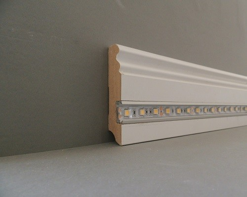 deckenleiste mit indirekter beleuchtung paket meter led profil pu stuckleiste indirekte. Black Bedroom Furniture Sets. Home Design Ideas
