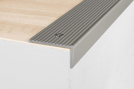 aluminium_treppenleiste_winkelprofil_treppenkanten