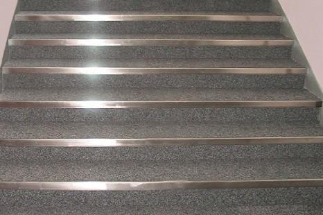 metallprofil_edelstahl_messing_metalltreppenkante