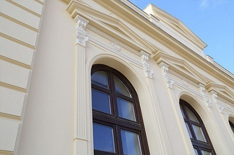 Fassadengesims_Fensterbank_Fassadenfenster_Fassadenideen